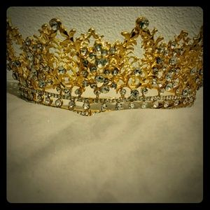 Accessories - Crown